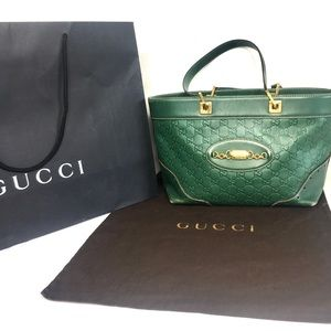 Authentic Gucci green Guccissima leather bag